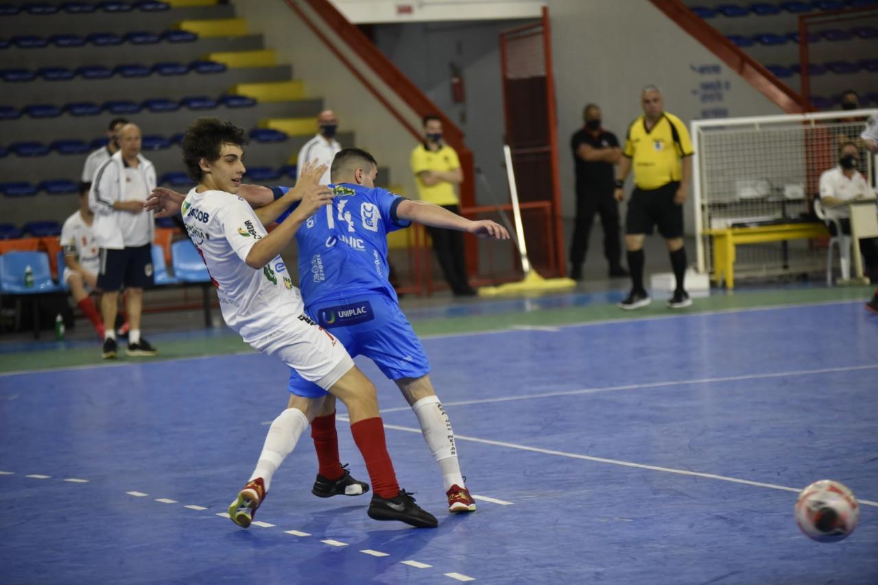 ACF goleia Lages por 8 a 1