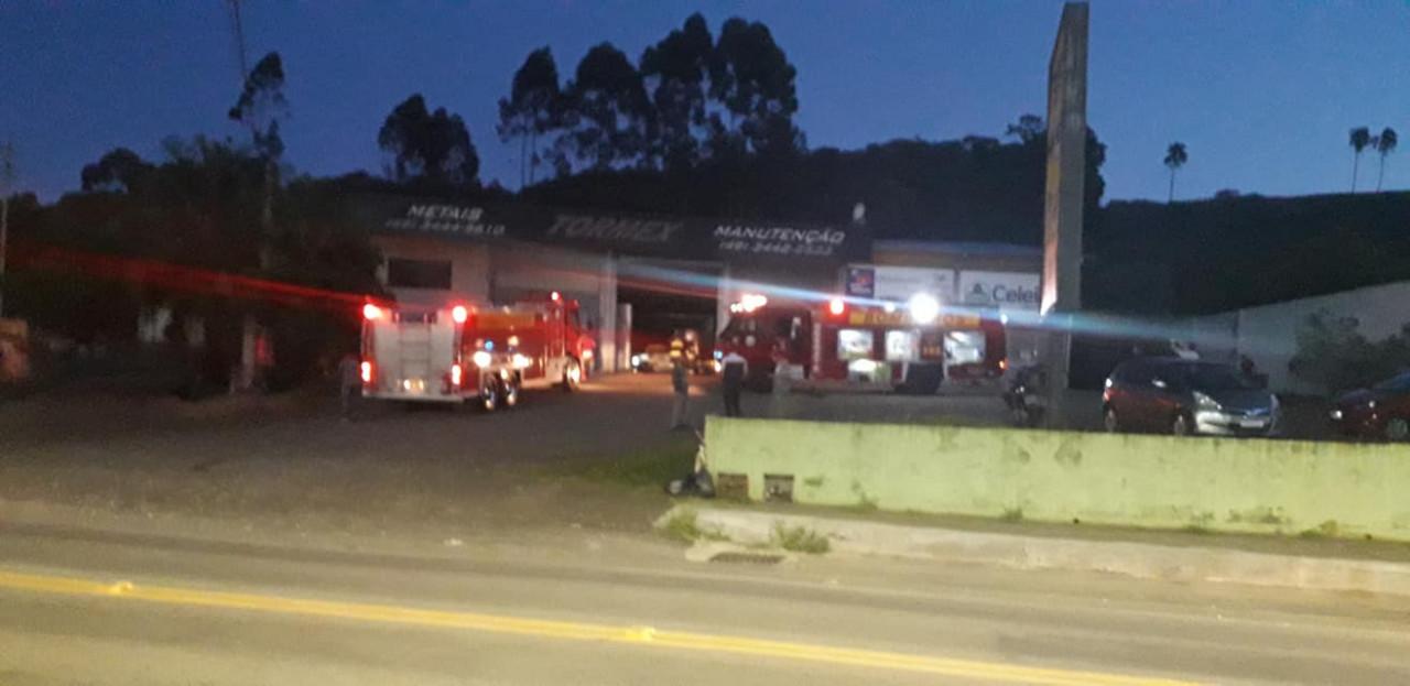 Incêndio queima parte de galpão industrial em Concórdia
