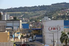 JBS com 130 vagas de trabalho em aberto nas fábricas de Ipumirim e Seara