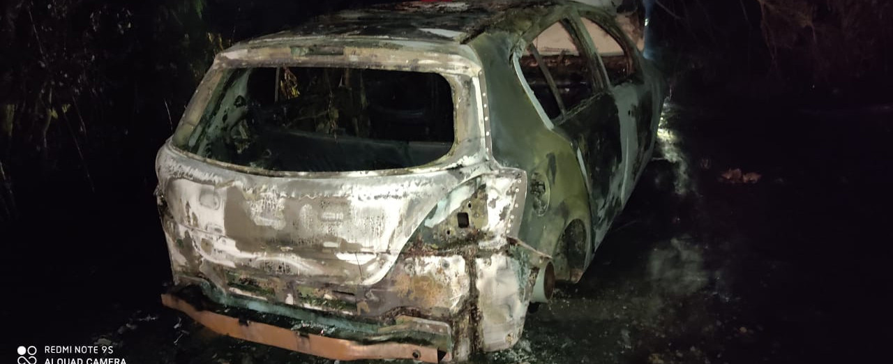 Proprietária teria reconhecido veículo incendiado no interior de Concórdia