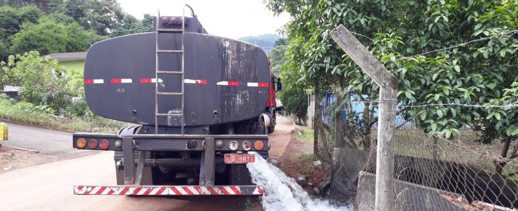 JBS inicia o transporte de água para as barragens da companhia