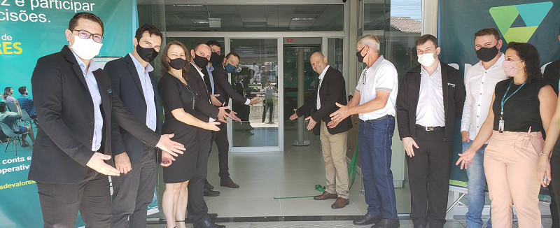 Sicoob Crediauc reinaugura agência em Ipumirim