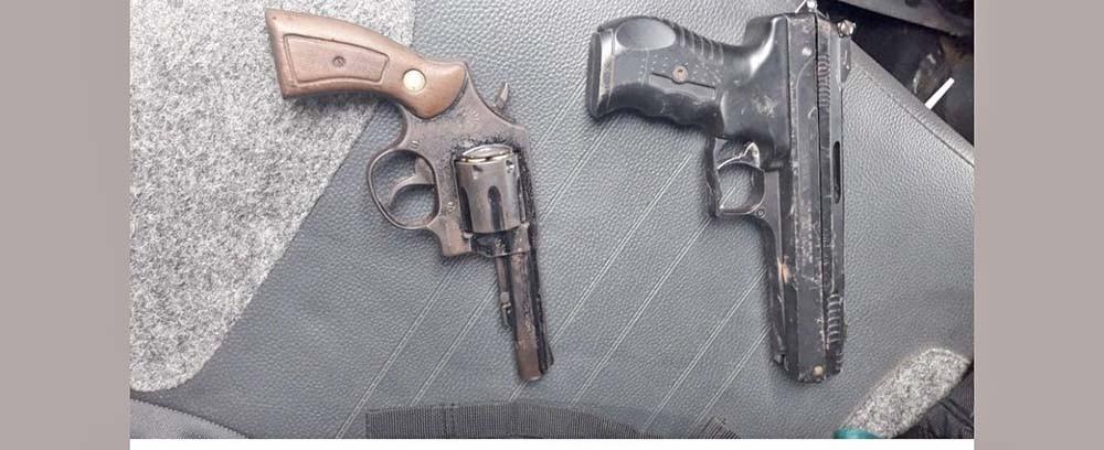 Polícia Militar de Chapecó encontra drogas, armas e munições em carro com placas de Irani