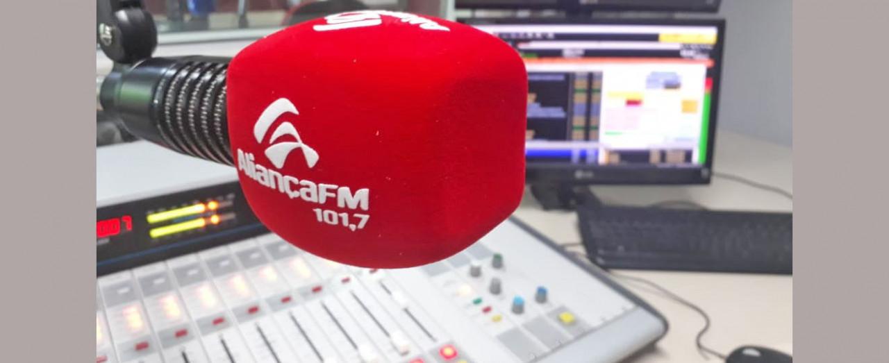 A novidade do rádio está no ar! Agora é Aliança FM