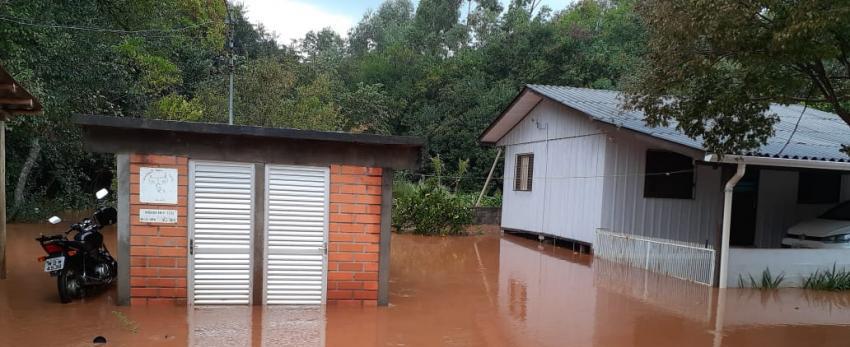 Ingrid Fiorentin pede projeto para contenção de cheias no Distrito de Tamanduá