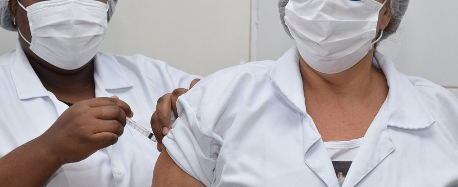 Pessoas com 62 anos ou mais poderão se vacinar contra a Covid-19 na segunda-feira