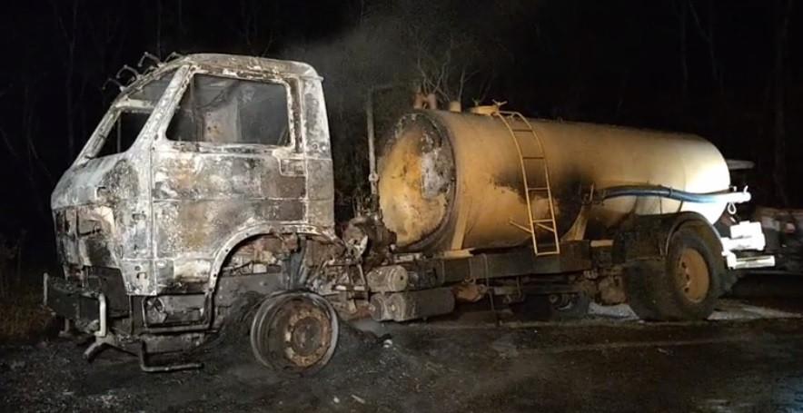 Incêndio consome caminhão da Prefeitura de Alto Bela Vista