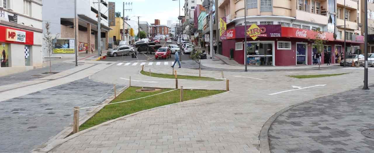 Parte do trânsito no Calçadão será liberado em caráter experimental