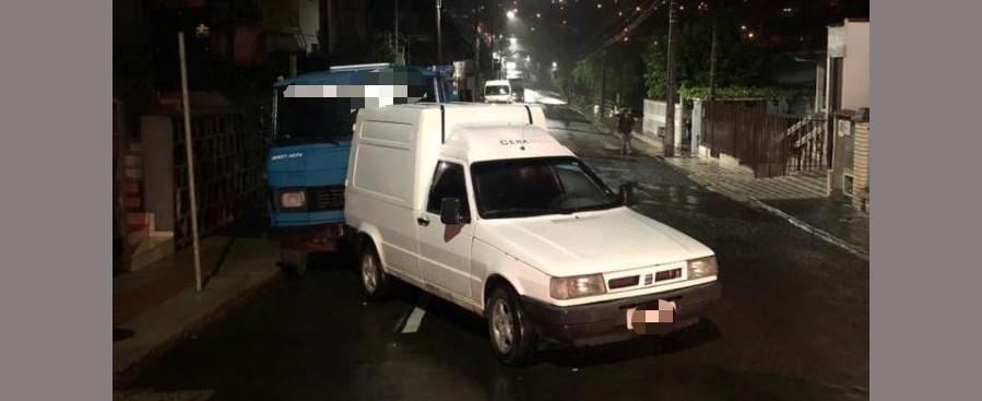 Suspeito bate carro furtado durante fuga de abordagem policial em Concórdia