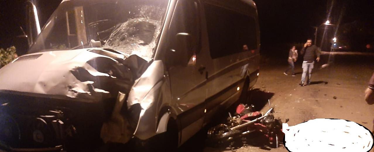 Homem de 46 anos perde a vida em colisão entre van e moto em Jaborá