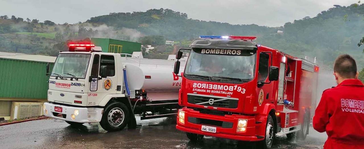Bombeiros Voluntários de Arabutã recebem dois caminhões e equipamentos