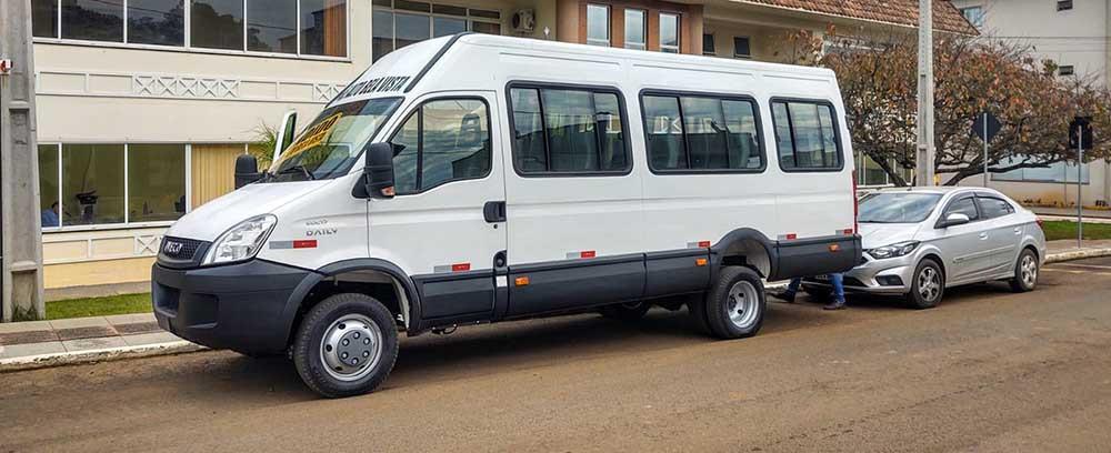 Prefeitura de Alto Bela Vista adquire veículo para transporte de pacientes