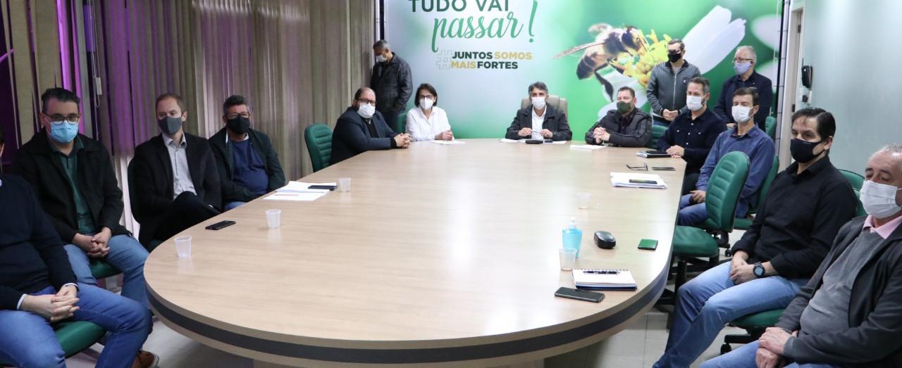Administração anuncia asfaltamento de 11 ruas e ampliação dos incentivos agropecuários
