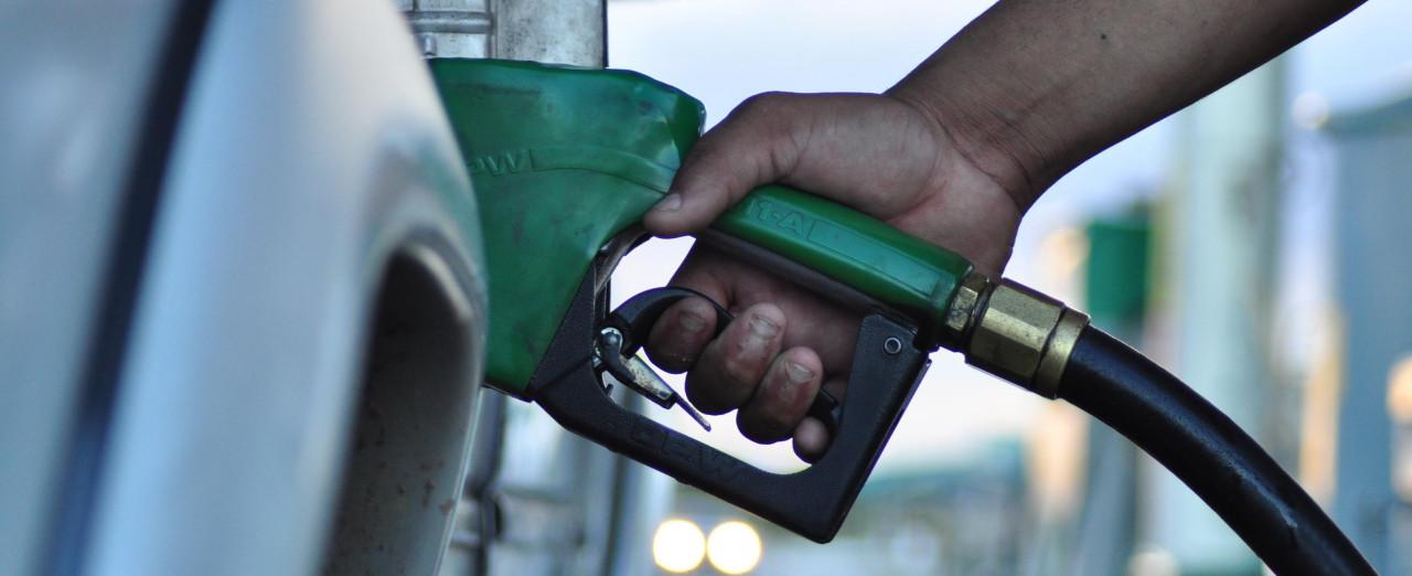 Petrobrás pratica nova redução no valor da gasolina