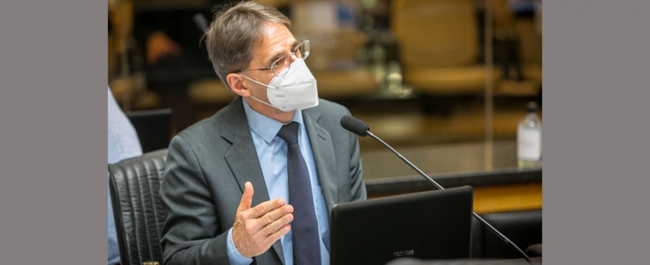 Saretta apresenta projeto para criar, em Santa Catarina, o Fundo Estadual de Combate ao Câncer