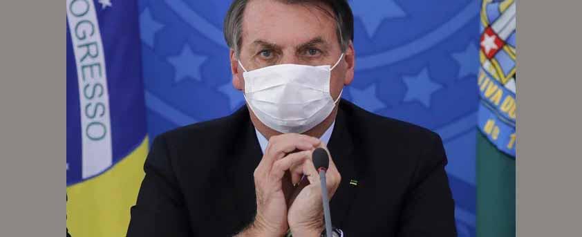 Presidente Bolsonaro é internado após sentir dores abdominais
