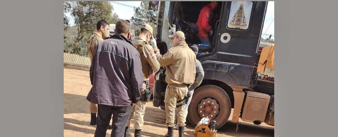 Homem é encontrado sem vida dentro de um caminhão em Ipumirim