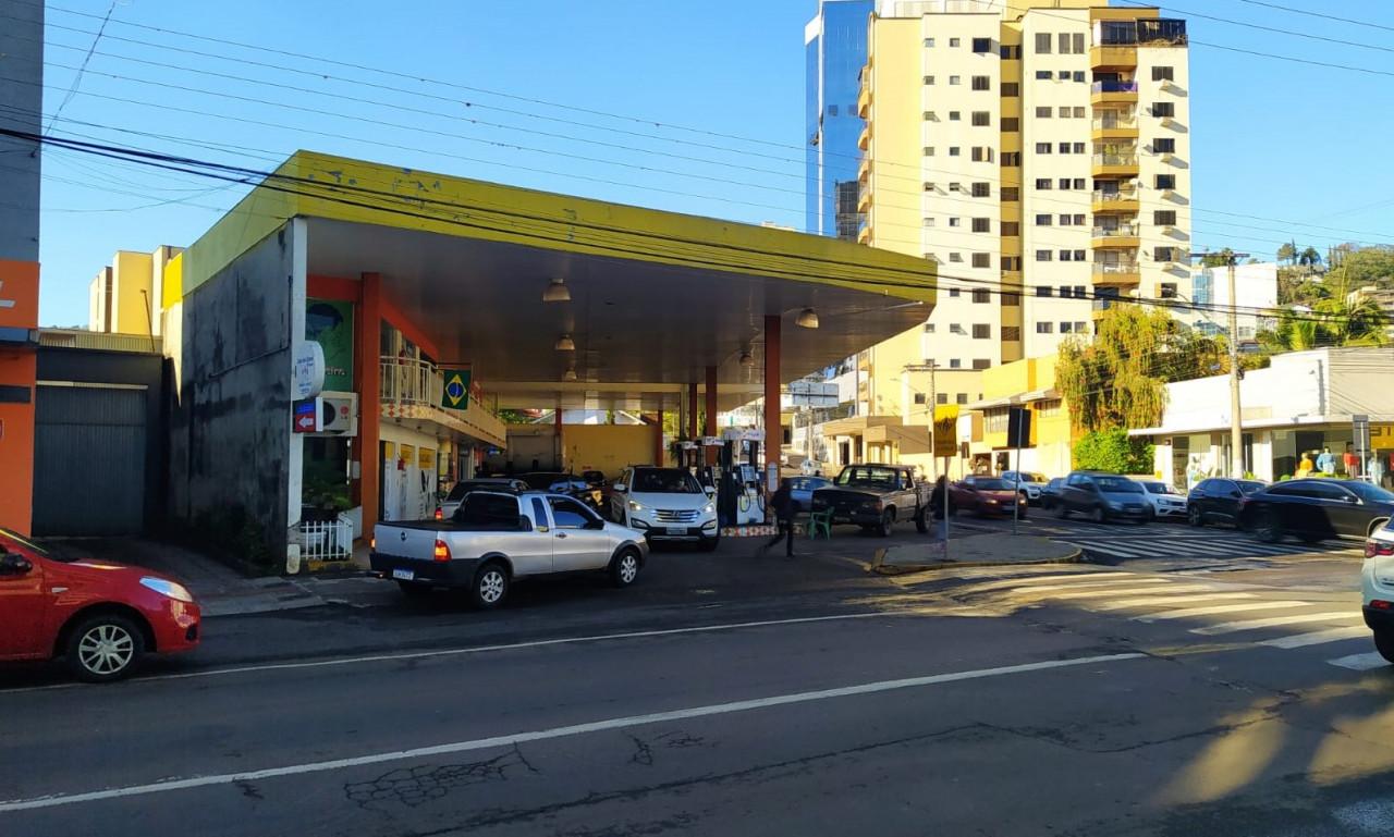 Combustível poderá faltar em vários postos de Concórdia durante a sexta-feira
