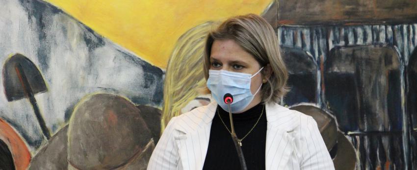 OUÇA: Vereadora sugere compra de máscaras PFF2 para a estudantes e professores