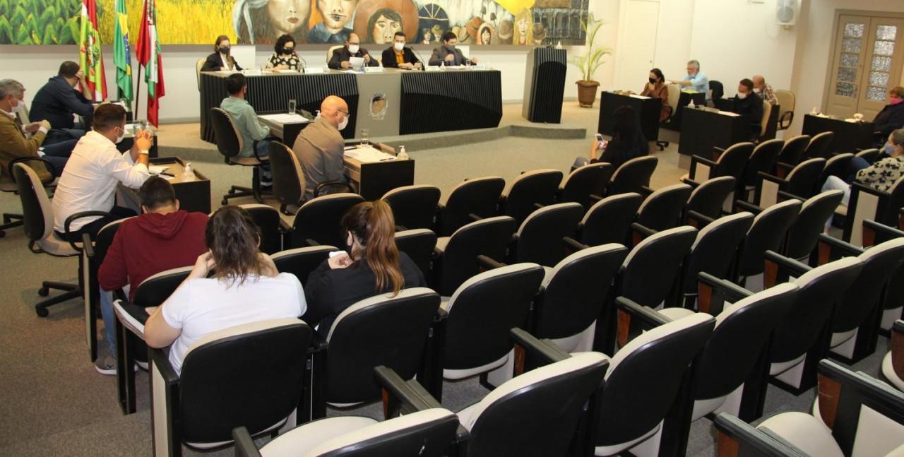 OUÇA: Semana de sessões encerra com mais discussões sobre mudanças na Área Azul