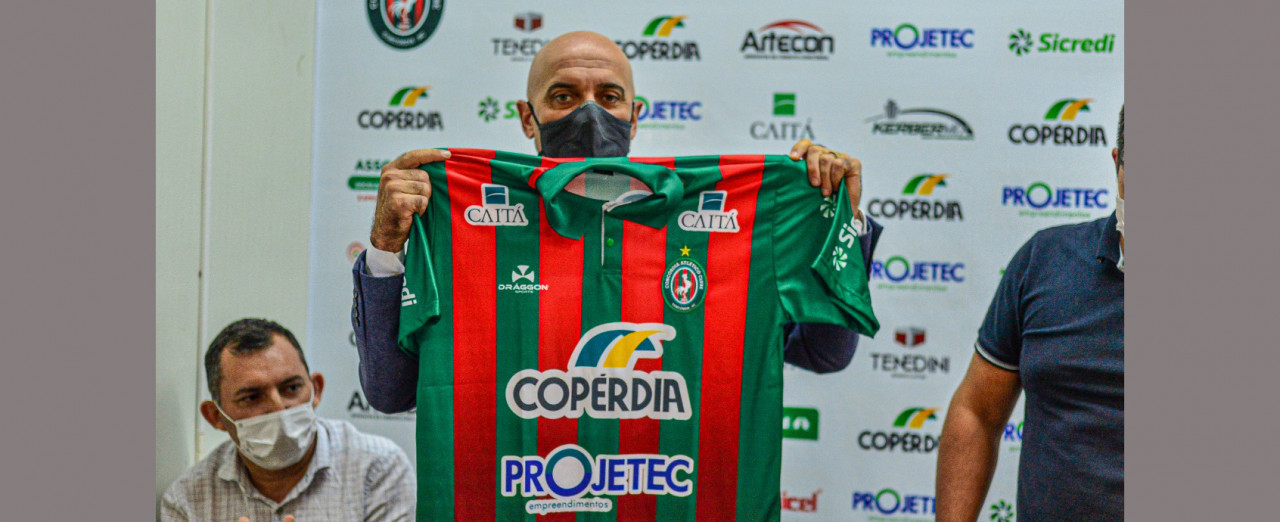Time da Série B do Campeonato Brasileiro faz sondagem pelo técnico Itamar Shulle