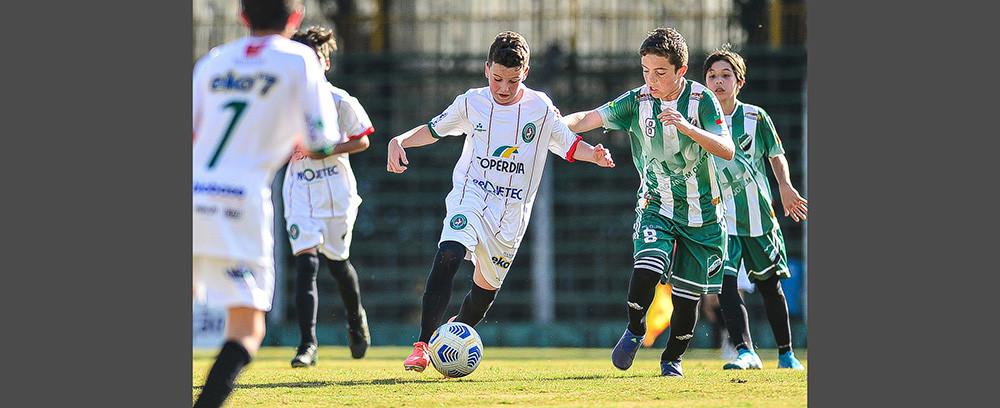 Galo vence o Hercílio Luz Avaí sub-20, mas perde no sub-17