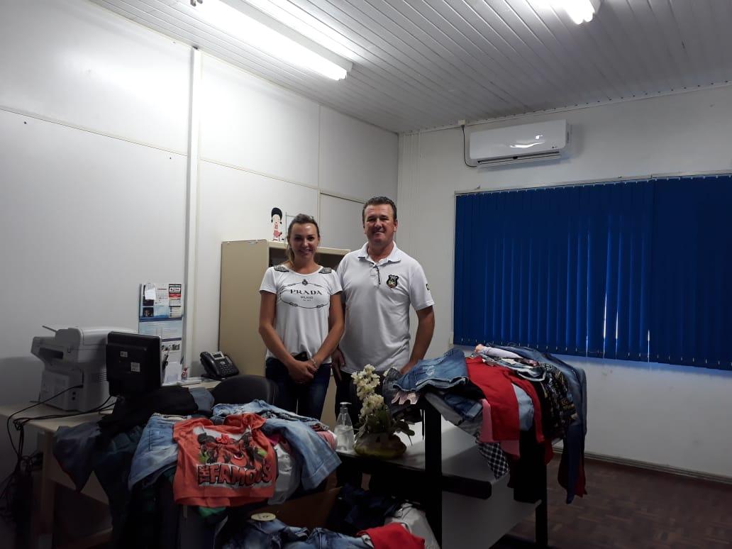 Polícia Civil de Piratuba doa roupas apreendidas para o Cras