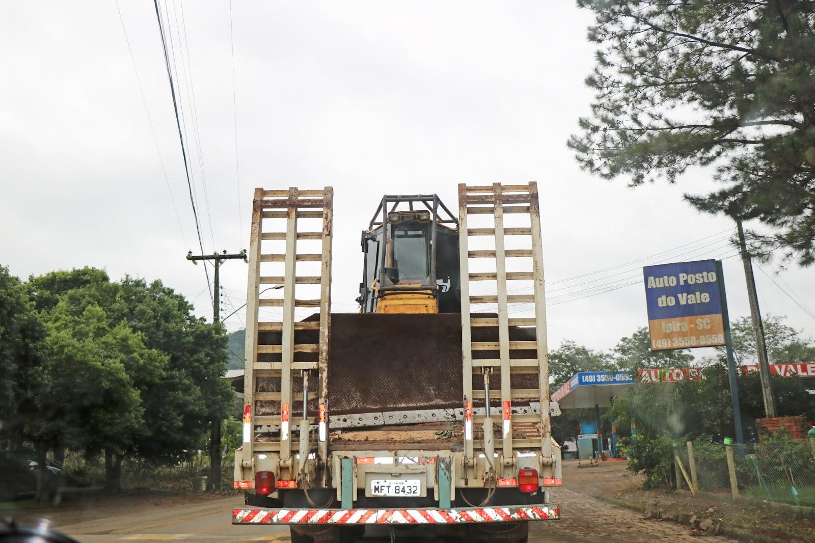 Denúncia de uso irregular de caminhão da Prefeitura de Piratuba chega à Câmara