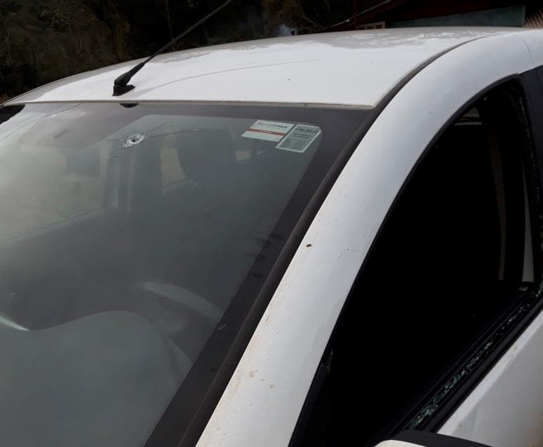 Carro indígena de Toldo Pinhal é atingido por disparo de arma de fogo