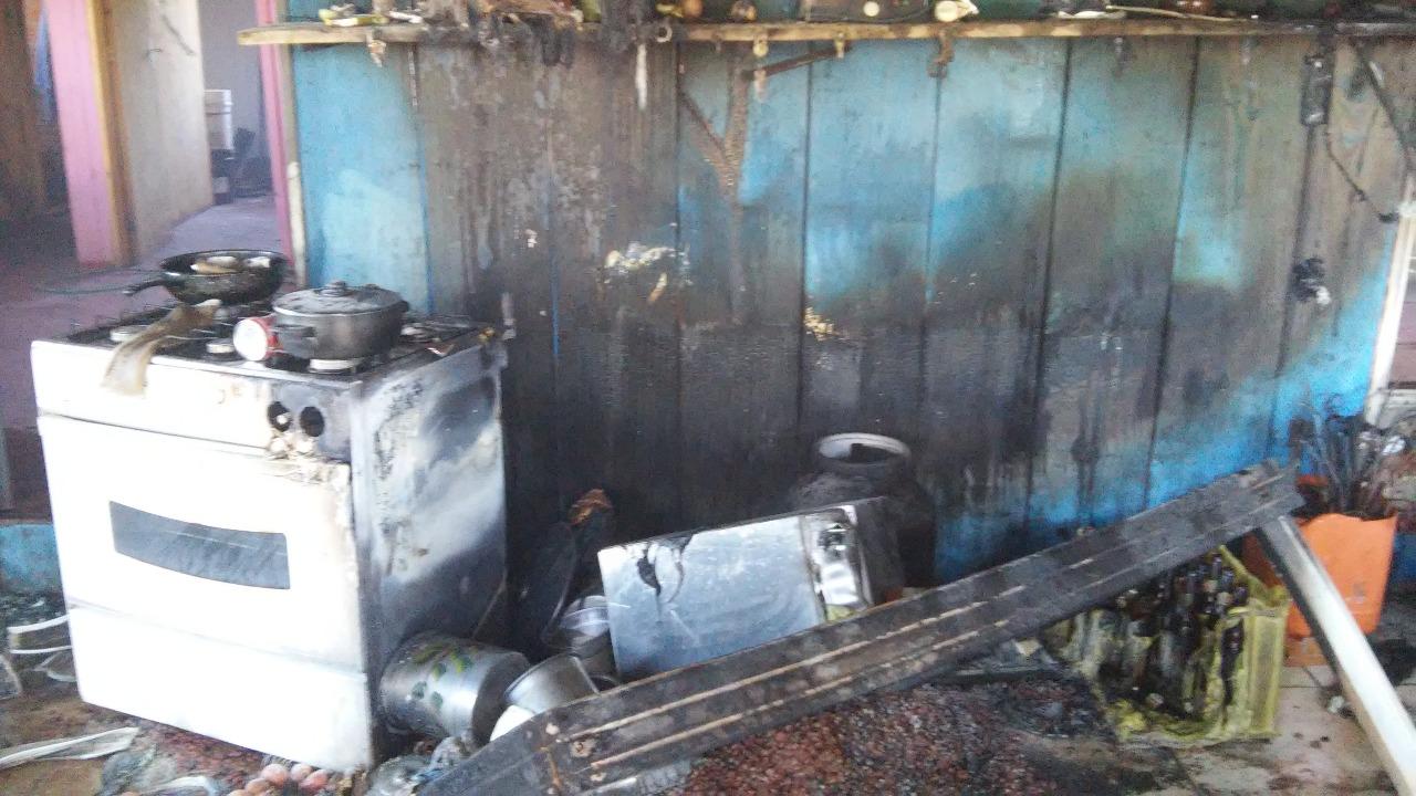 Incêndio em residência no Bairro Nossa Senhora Aparecida em Irani