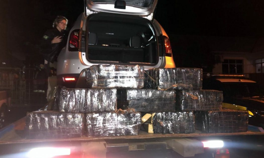 Ação conjunta PRF e PM apreende 200 quilos de maconha em Chapecó