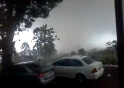 Vídeo impressionante mostra a capacidade de destruição do tornado