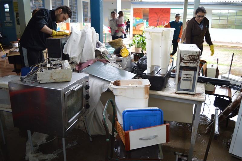 Barra do Tigre se recupera da enchente (vídeo e fotos)